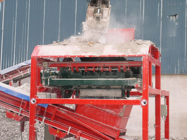 Screw Type Mill