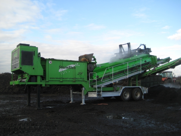 Only a Neuenhauser Star Screen will do for Birch Airfield Composting
