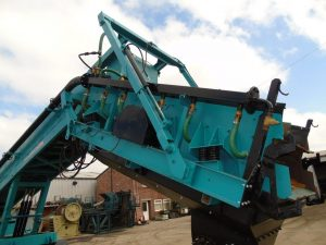 Powerscreen Commander 1400 Mobile Rinser Year 2003 FULLY REFURBISHED